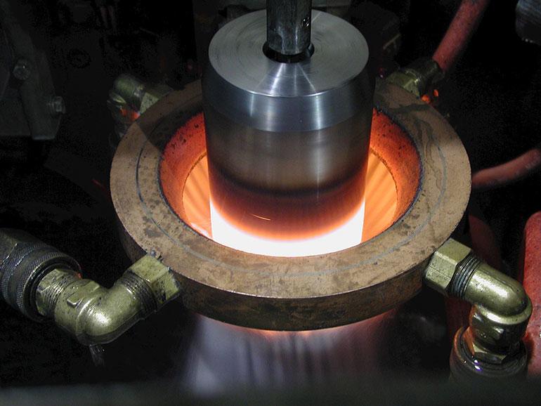 استفاده از مایع سخت کاری پایه آب در کوئنچ القایی